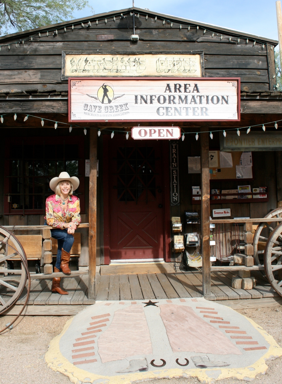 Cave Creek Merchants - Info Center - in Frontier Town